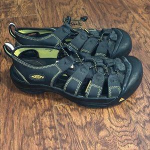 Kid's Keen Outdoor Sandals Sz 3Y